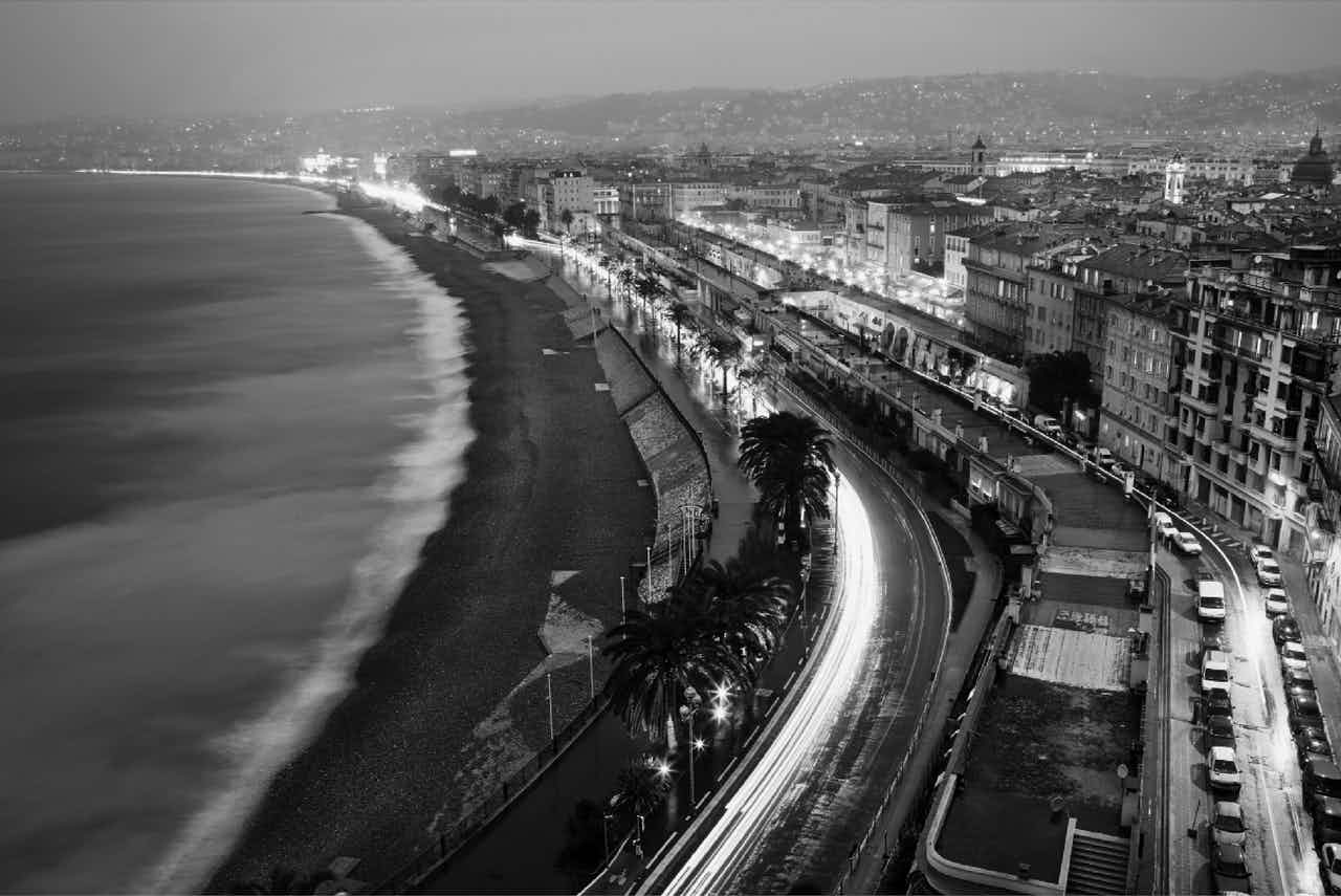 A black and white shot of Nice from above as plane descend